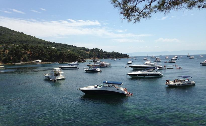 Cruise on Bosphorus with Luxury Yacht in Istanbul