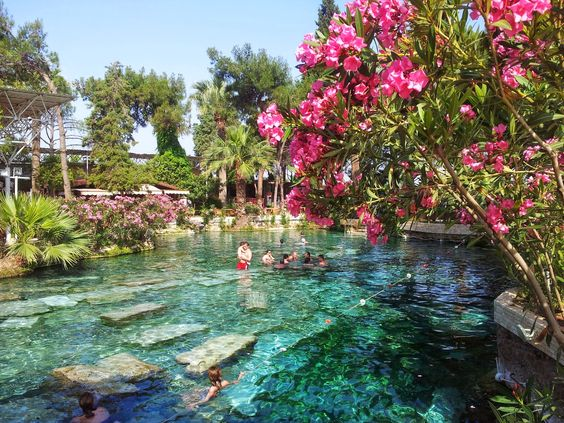 الاماكن السياحية في باموكالي